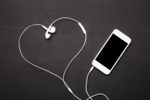 headphones heart, iPhone,