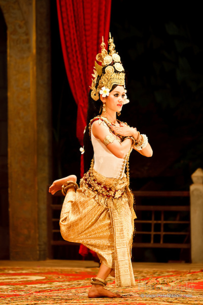 romba, cambodian dancer