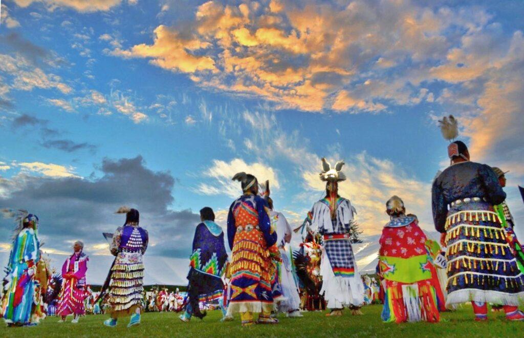 muckleshoot, muckleshoot tribe, muckleshoot members prayer, muckleshoot members dance, powwow, muckleshoot pow wow, muckleshoot pow-wow, sunset powwow, muckleshoot powow